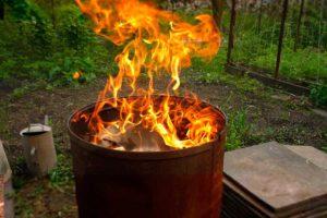 сжигать мусор